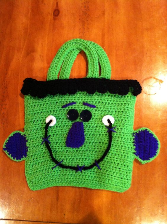 Free Crochet Patterns For Trick Or Treat Bags : Crochet Halloween Trick or Treat bag Crafts Pinterest ...