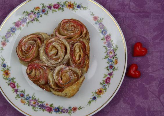 Für den Valentinstag! https://www.deindiy.de/blaetterteig-rosen-kuchen/