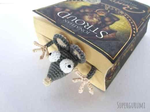 Amigurumi gehaakte Rat boekenlegger -
