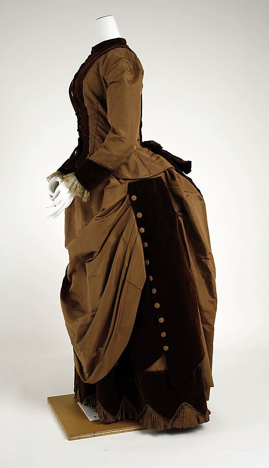 Toffee brown and coffee brown.  (Dress 1880, American, Made of silk)