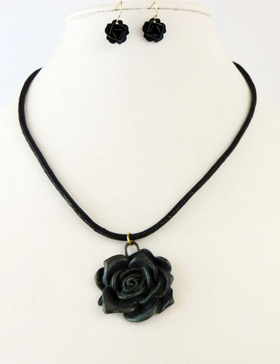 Cowgirl Bling Necklace set Gypsy Patina metal ROSE flower pendant Boho Western  our prices are WAY BELOW RETAIL! all JEWELRY SHIPS FREE! www.baharanchwesternwear.com baha ranch western wear ebay seller id soloedition
