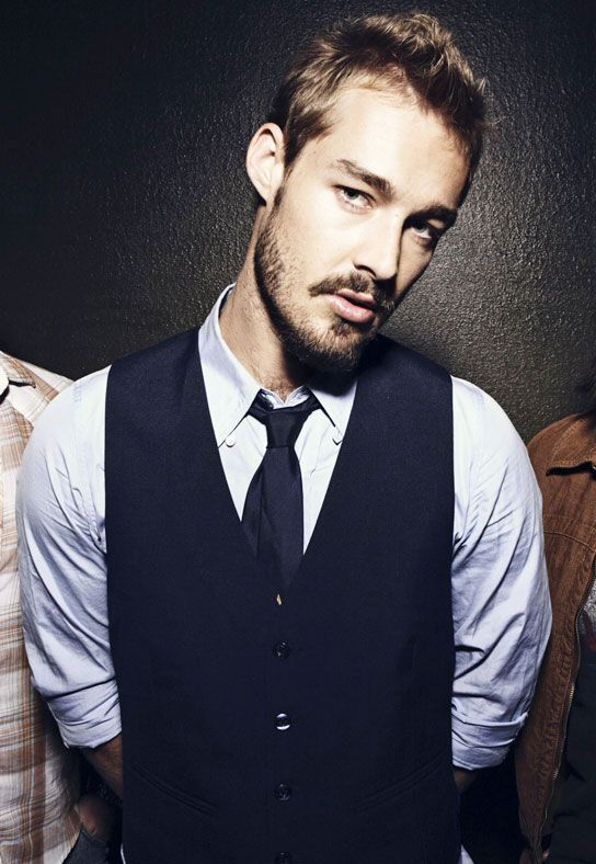 Daniel Johns (Silverchair)* If you wonder why I am single, I'll tell you that it's simple- I'm saving myself for this dude. Have been for 14 years. Got married once but, ya know, shit happens. Keeping the obsession alive since '98!
