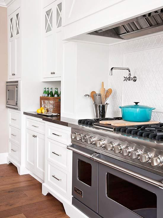 White Kitchens We Love Stove Bright Kitchens And Kitchens