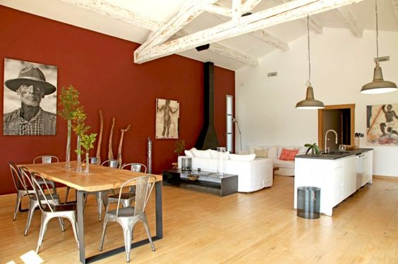 Mur rouge brique dans une cuisine : stylé ! Red wall in a kitchen, stylish !
