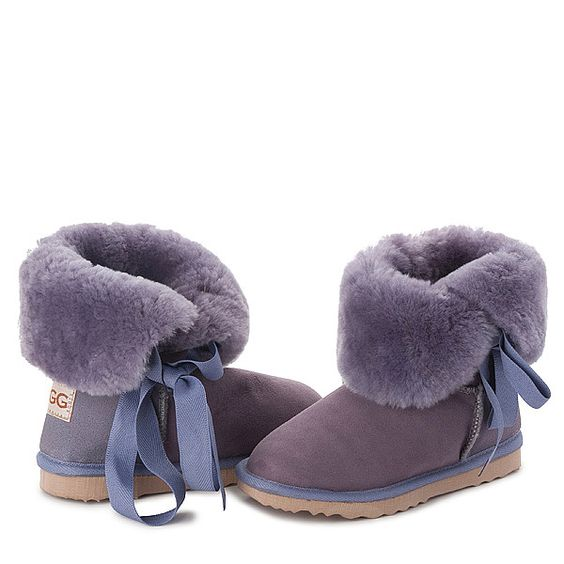 Lilac Betty Bow UGG Boots #lilac #new #ugg #uggboots #boots #australian #aussie #australia #sheepskin #laces #bow