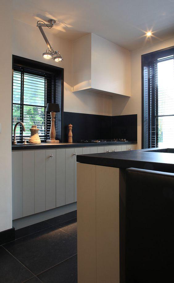 Nomad: Timeless passe-partout  #nomad #Lighting #kitchenlighting #kitchenlight #light #kitchen #design