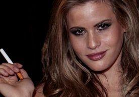 23-Jun-2014 8:30 - MARIELLE JAFFE (25). In het rijtje 'welke bloedmooie vrouw is er vandaag jarig?' presenteren we met veel plezier Marielle Jaffe. De Amerikaanse actrice, zangeres en model gaat een feestje vieren, want ze is 25 geworden.