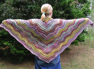 Feather and fan shawl by Hello Yarn