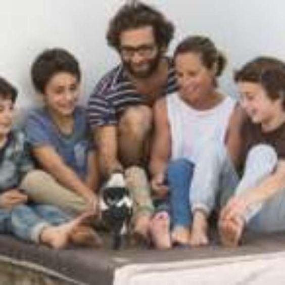 #O pássaro que 'salvou' família após queda que deixou mãe paralisada - Terra Brasil: Terra Brasil O pássaro que 'salvou' família após queda…