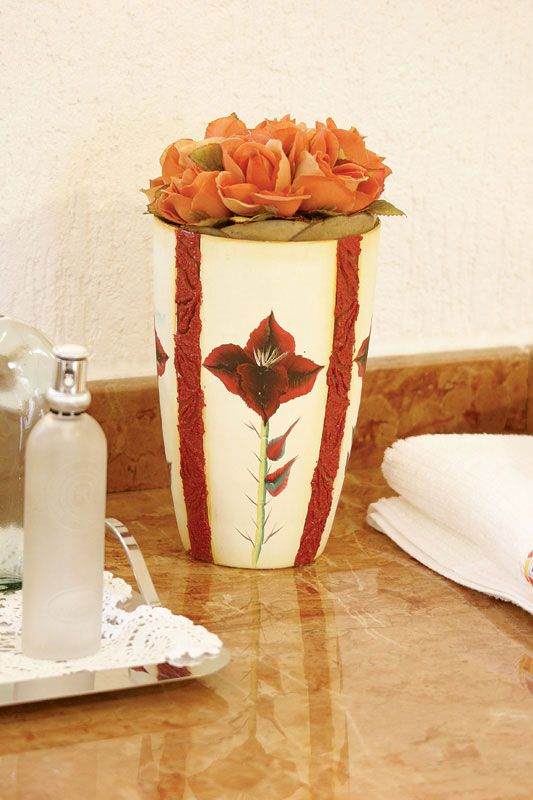 Pintura em vaso de vidro