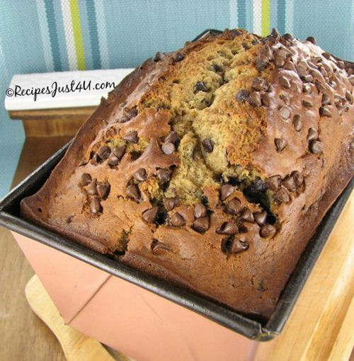 Chocolate Chip Banana Bread, I am going to make this today! Great day for it.