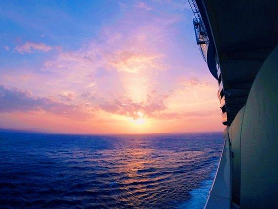 The best part of balconies? Sunsets. #oasisoftheseas