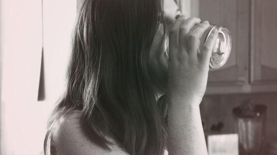Hábitos saludables: Mantente hidratado - Rosa y Verde