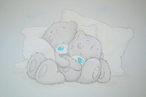 Me to you beertjes op kussen met babynamen er boven (staan niet op foto) | muurschildering | babykamer tweeling | www.groeneballon.nl | Den Haag