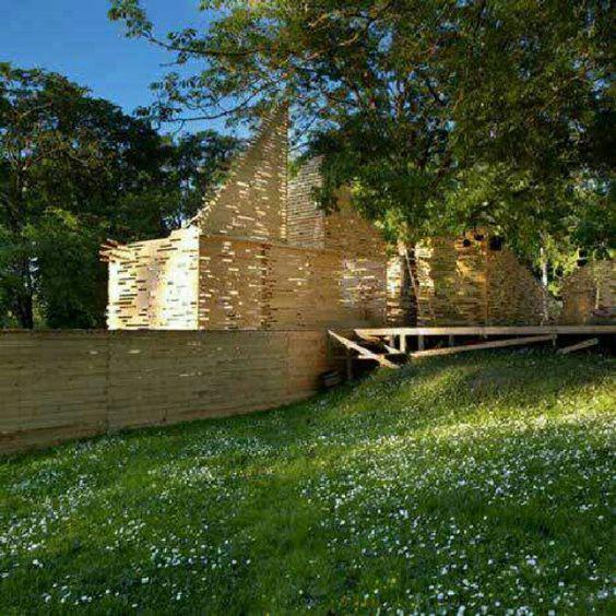 Teatro de Verão, em Tallinn, Estónia. Projeto do.escritório Kadarik Tüür Arhitektid. #architecture #arts #arquitetura #arte #decor #decoração #design #interiores #interior #projetocompartilhar #shareproject #madeiraeconforto #madeira #confort #conforto #wood