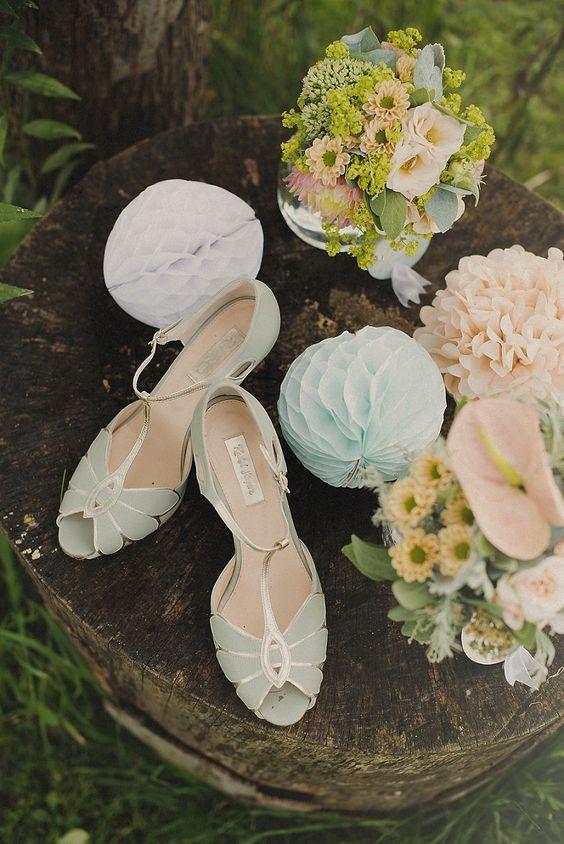 Schuhe in Grün für die Braut (Pastellfarben)   von www.rachelsimpsonshoes.co.uk #Brautschuhe #Hochzeit #Wedding