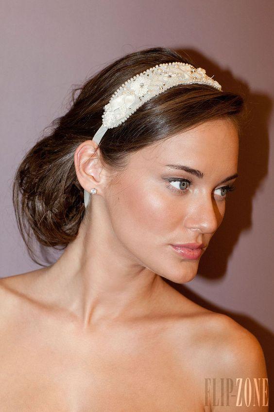 Zeina Kash - Accessoires - Automne-hiver 2013-2014 - http://www.flip-zone.fr/fashion/accessories/hats/zeina-kash-4175
