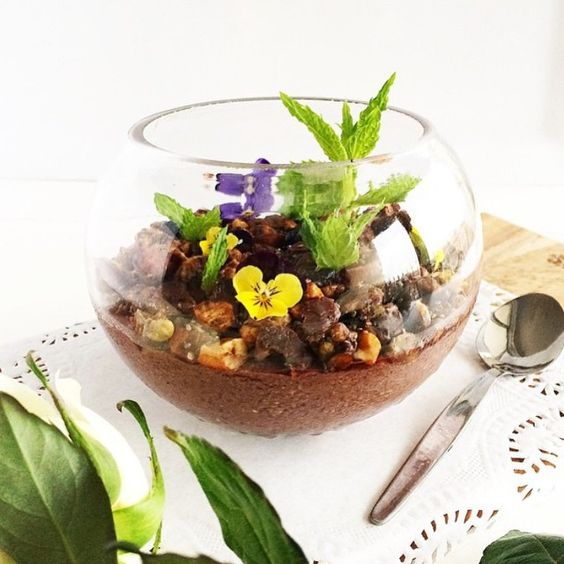"""Seriously, how amazing is this Edible Terrarium Acai Bowl from @highheeledhippie?! The healthy brekkie recipe was created exclusively for TUL - head to…"""
