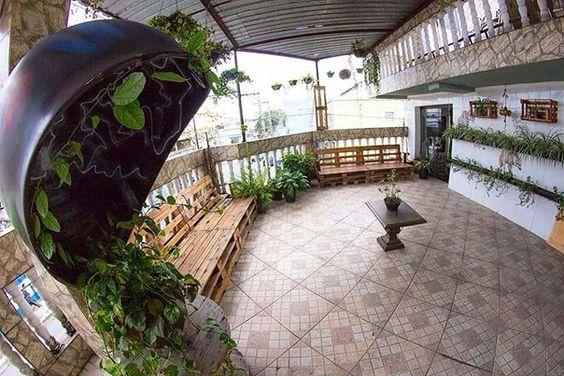 Na semana do meio ambiente abrimos as portas do nosso escritório para mostrar como podemos reutilizar materiais que iriam para o lixo. De forma criativa e sustentável decoramos todos os ambientes.  Confira a matéria em nosso blog http://ift.tt/1XbZYVr #sustentabilidade #meioambiente #environment #reciclar #recycle #reutilizar #escritorio #office #lifestyle #brasil #sp #usstreet by usstreet http://ift.tt/1UrFion