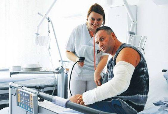 """auf www.rnz.de RNZ-Serie """"Härteste Jobs"""" - Teil 3:  Krankenschwester im """"geordneten Chaos""""  Cornelia Wanschura ist Krankenschwester in den Neckar-Odenwald-Kliniken in Buchen."""