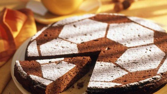 Küche-Sport-Fußballkuchen backen-deutsches-Rezept: Schokokuchen mit Fussball-Party