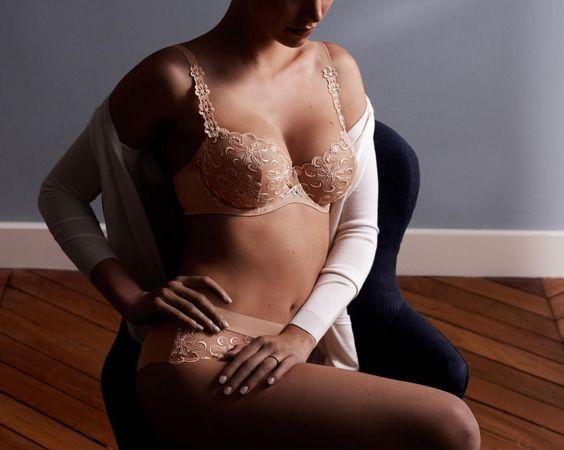 Révélation Simone Pérèle in nude - $155.00