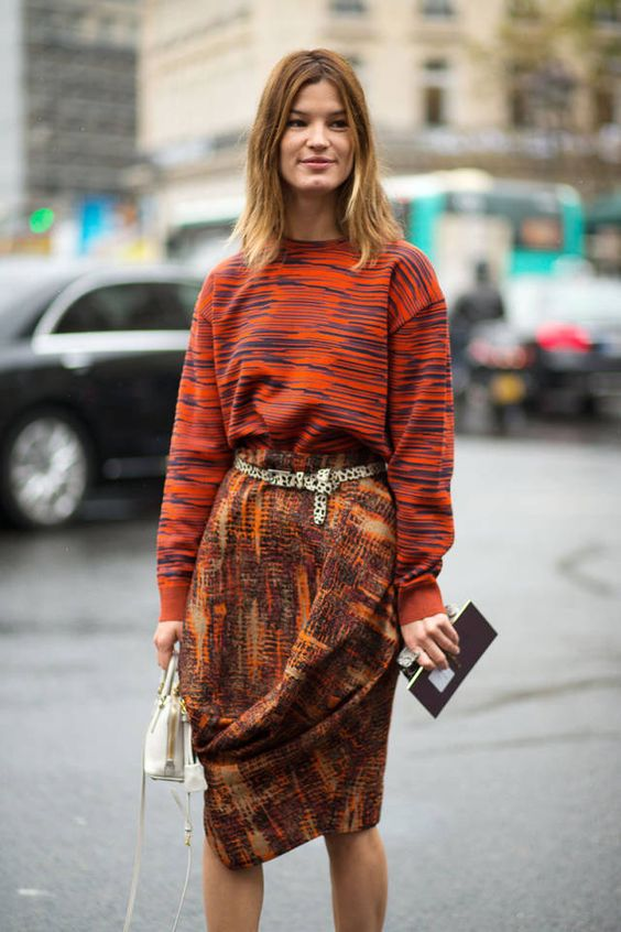 200 tres chic outfits spotted at the Paris Fashion Week street style scene. …
