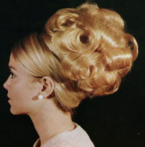 Classic 70s Updo Short Hair Styles Easy Vintage Hairstyles Short Hair Updo
