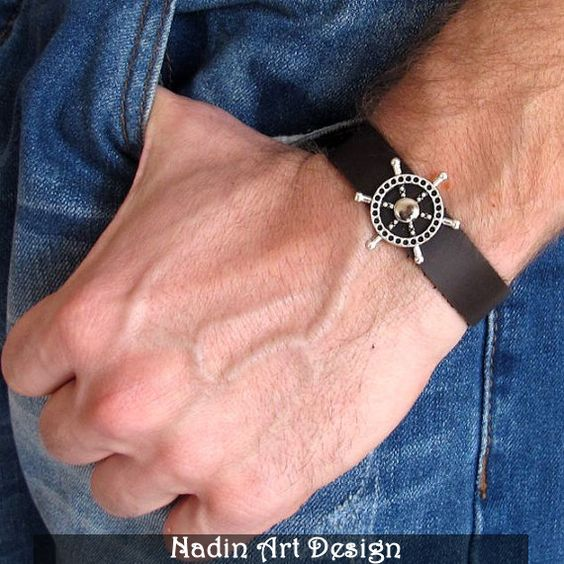 Nautisches Armband für Männer / Steuerrad-Armband von NadinArtDesign auf DaWanda.com