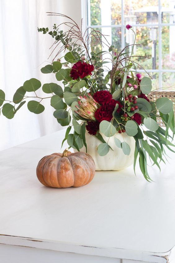 DIY Projects to Dress Up Your Thanksgiving Table When You Don't Have Much Time