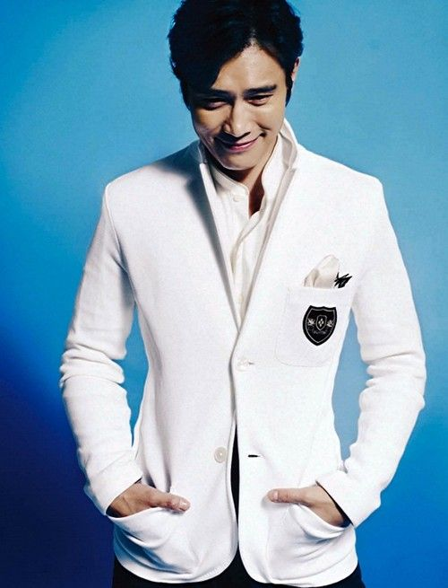 Lee Byung Hun \u2013 Esquire Magazine