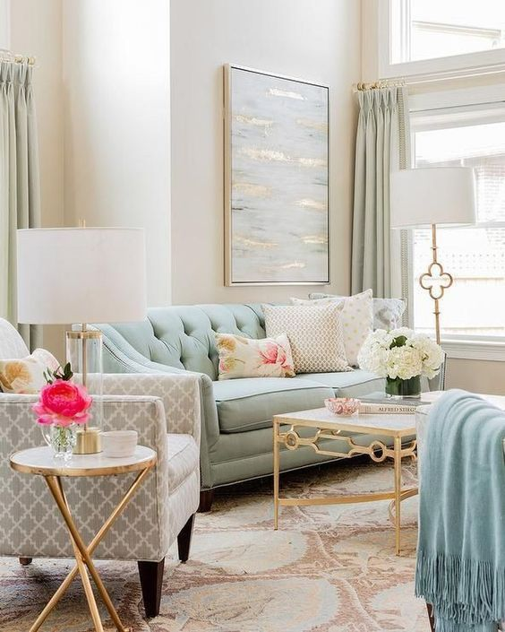 7 New Traditional Living Room Decor Ideas For An Elegant Home 2021 Small Apartment Living Room Living Room Colors Living Room Decor Traditional