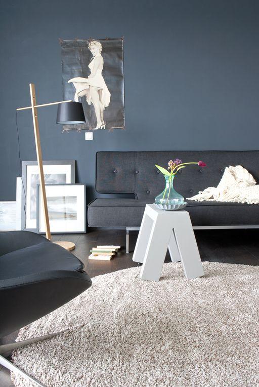 Awesome In De Zithoek Staat Een Lekkere Bank Het Is D Ultieme Relaxplek For  The Home Pinterest Living Room Grey Blue Design And Dark Blue With Grey And  Blue ...