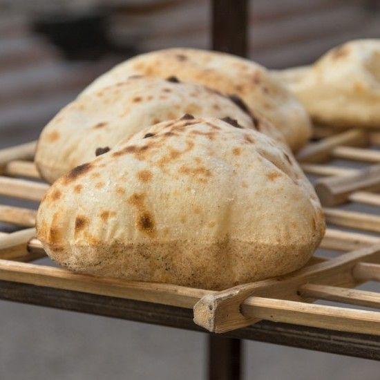 طريقة عمل الخبز البلدي المنزلي معجنات وصفات الخبز Egyptian Food Traditional Food Food Now