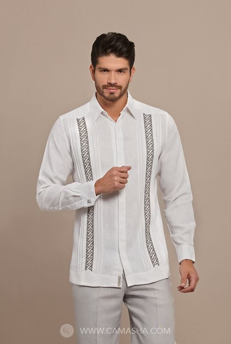 Guayaberas camisas invitados padrinos sastre for Boda en jardin como vestir hombre