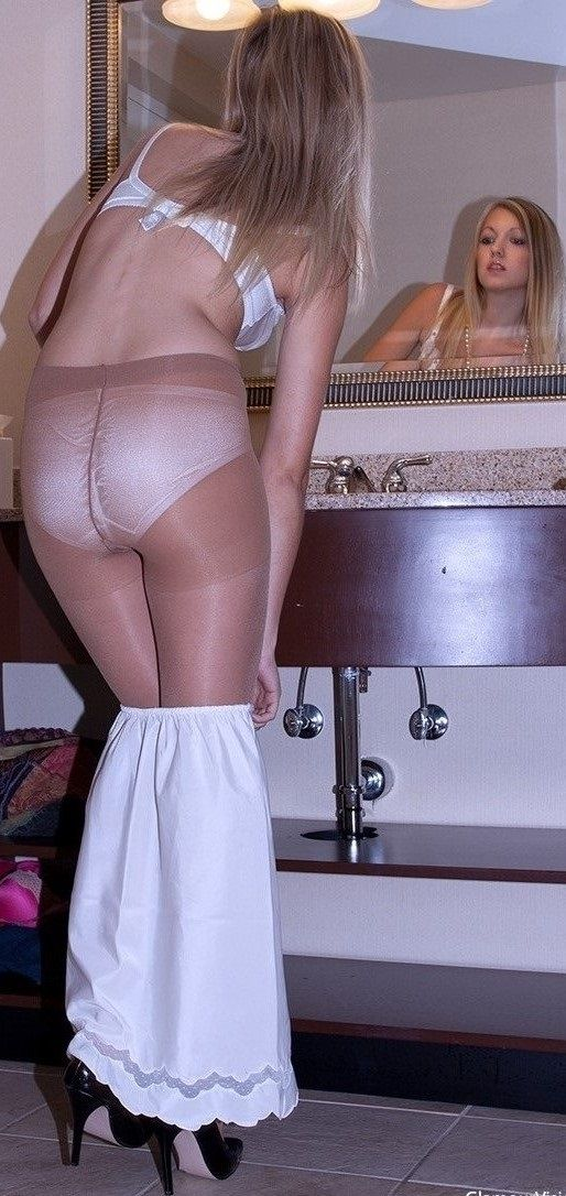 Panty and pantyhose porn