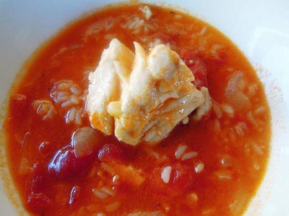 Caldo de peixe com coentros e poejos http://grafe-e-faca.com/pt/receitas/do-mar/peixe/caldo-de-peixe-com-coentros-e-poejos-4-pessoas/
