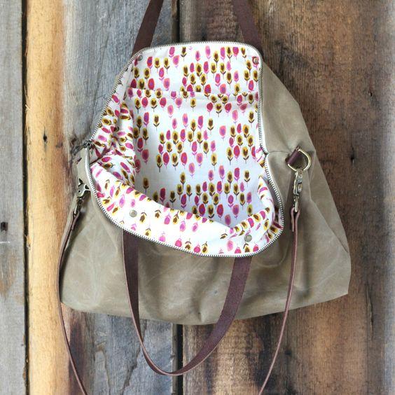 Want!!!!!  Maude :: An Everyday Messenger Bag