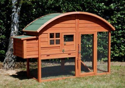 Poulailler en bois Louisiane. Pour avoir des oeufs frais et bio à la maison ! Disponible sur animaleco.com !