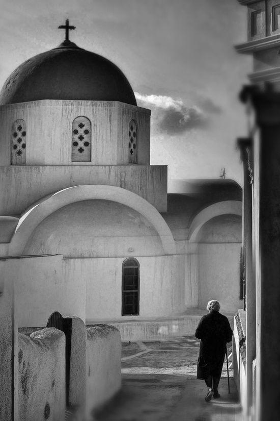 Aegean faith by Matt Mawson. Αιγαιοπελαγίτικη πίστη από τον Ματ Μόουσον.