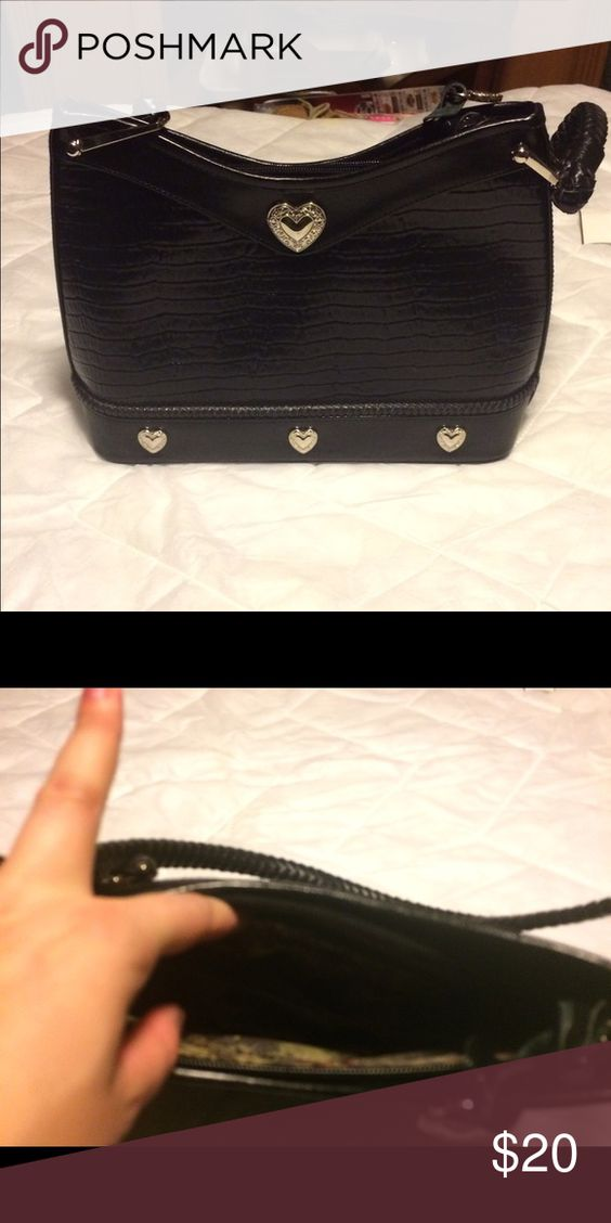Black heart purse Very cute purse! Great quality and heavy duty. Unbranded. Great shape! Bags Shoulder Bags