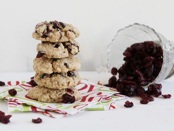 Chewy Cranberry Oatmeal Cookies