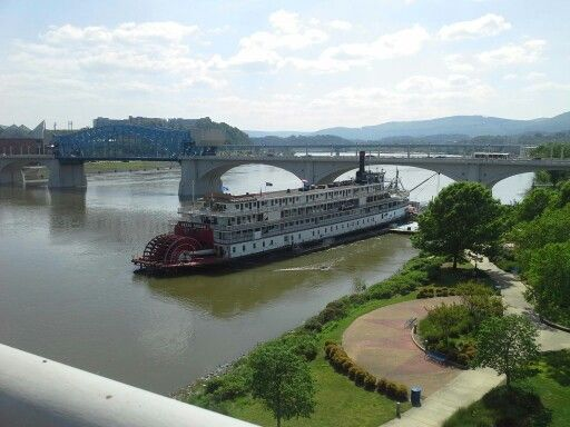 A photo I took in Chattanooga, TN the beautiful TN river