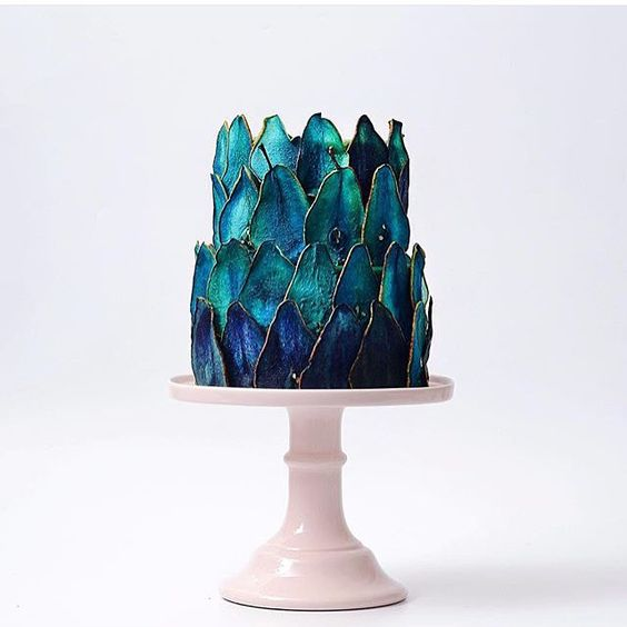 Follow of the day  @tortikannuchka is blowing our minds with this dip-dyed  cake!!! by meringuegirls