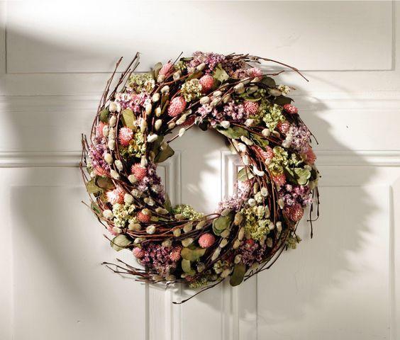 deko kranz rosa kleine bl ten mit weidenk tzchen und fr hlingsgr n wohnambiente shop. Black Bedroom Furniture Sets. Home Design Ideas