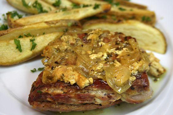 Manta de Cerdo en Salsa de Cebolla.