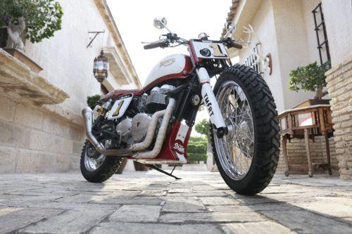 Modelo: Triumph Bonneville Año: 2010 Inyección Fabricante: Triumph By Tamaritmotorcycles.com