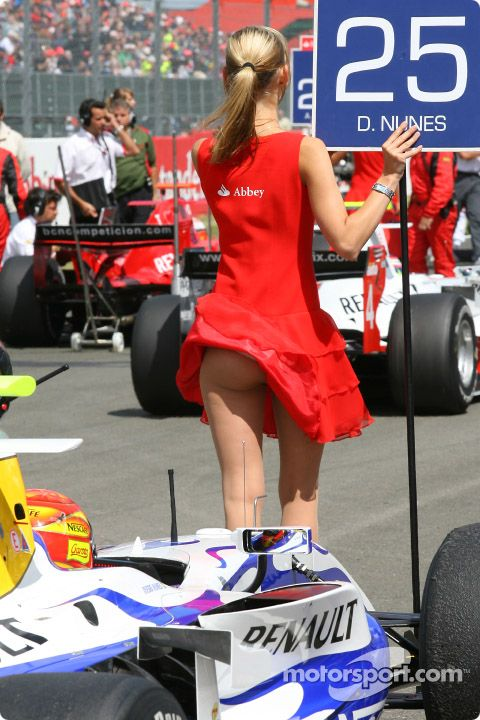 Formula 1 | 50 Hot Grid Girls Photos | Motorsports - DriveSpark