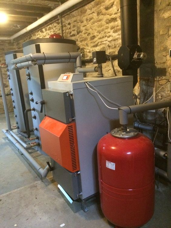Install Of A 40kw Solarbayer Hvs Wood Gasification Boiler