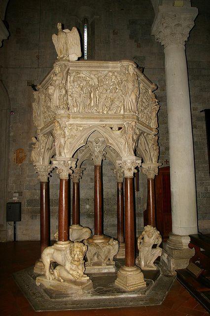 Pistoia. Sant' Andrea. Pulpit by Giovanni Pisano 1298-1301 ...